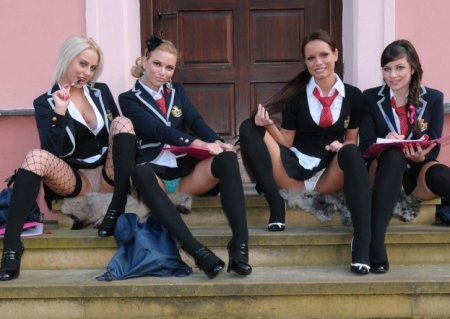 Schoolgirl 2014